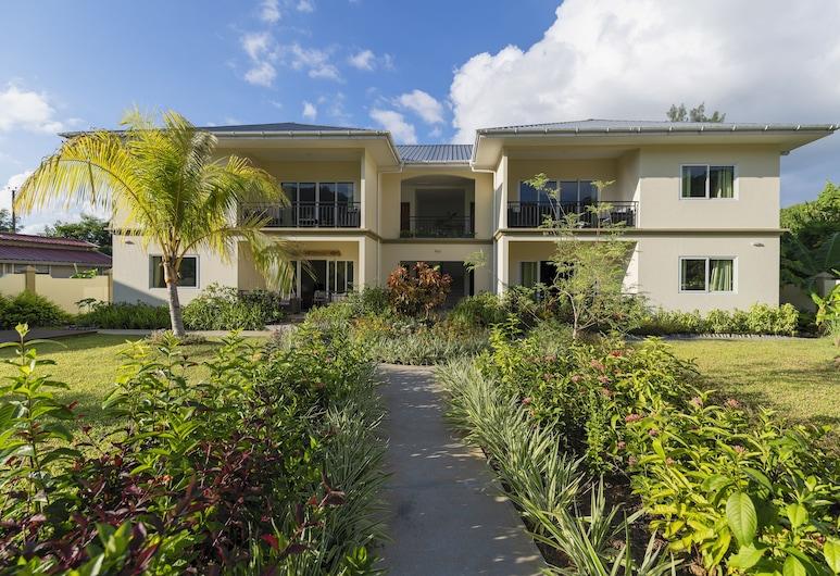 Anse La Mouche Holiday Apartment, Mahe Island, Property Grounds