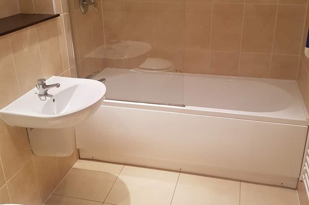 Superior-Apartment, eigenes Bad, Stadtblick - Badezimmer