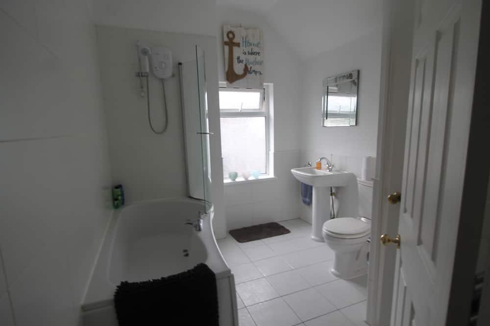 Superior House, Private Bathroom, Garden View - Bathroom