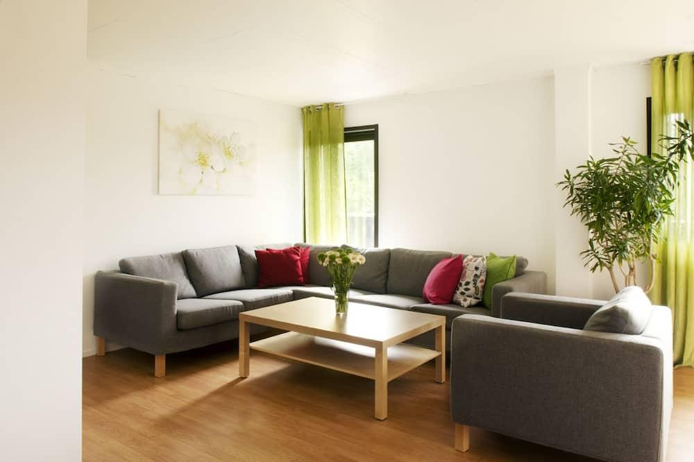 Apartment (505) - Living Room