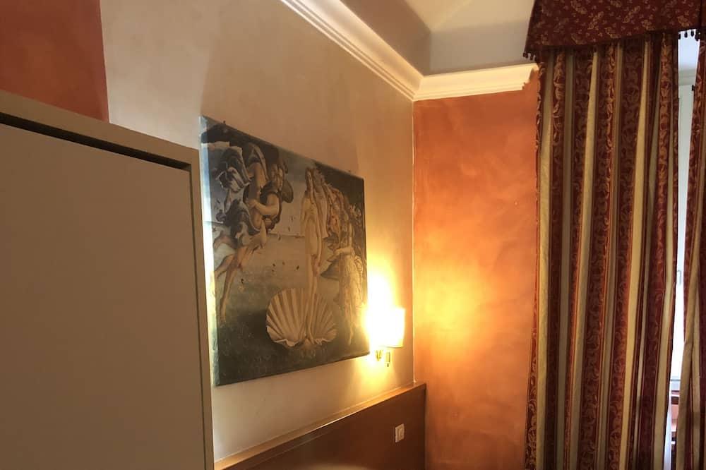 Triple Room, 1 Queen Bed, Non Smoking - Guest Room