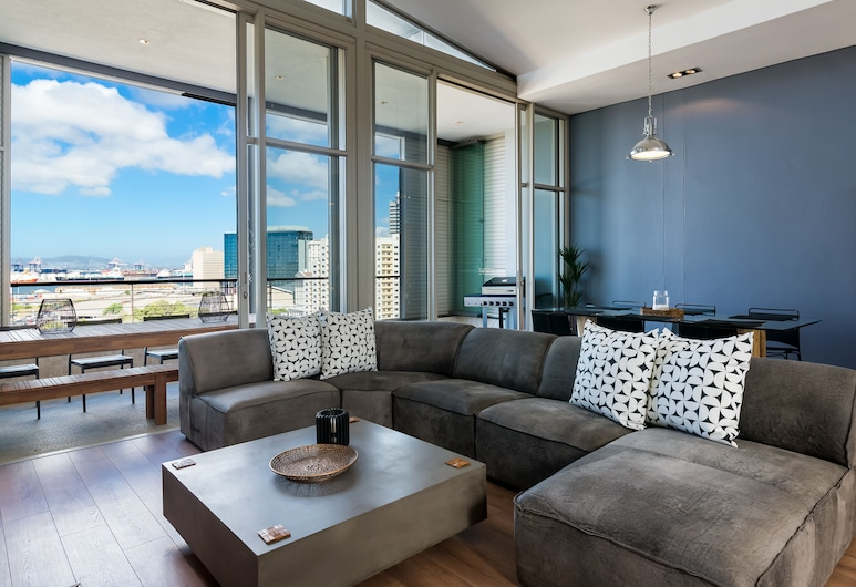 Harbour Edge 703, Kapské mesto, Apartmán typu Premier, 3 spálne, nefajčiarska izba, výhľad na mesto, Obývačka