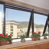 Apartman, 2 spavaće sobe, kuhinja, pogled na grad - Balkon