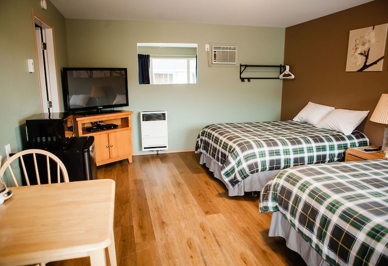 99 Mile Motel, 100 Mile House, Comfort Room, 2 Double Beds, Guest Room