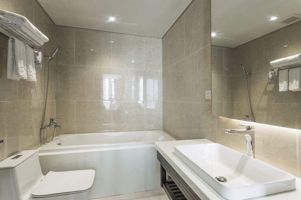 Suite Standard, vue ville - Salle de bain