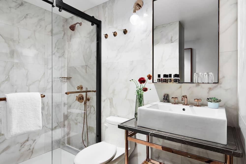 Номер «Делюкс», 2 двуспальные кровати, для людей с ограниченными возможностями - Ванная комната