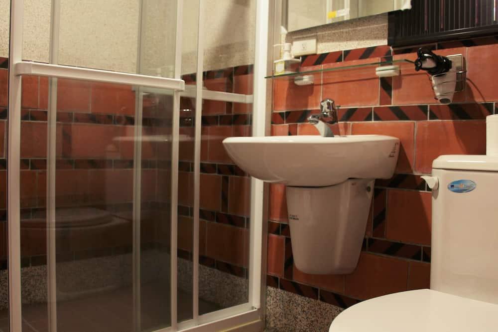 Camera con letto matrimoniale o 2 letti singoli, non fumatori (A) - Bagno