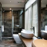 Deluxe Double Room(Chinese Domestic Guest Only) - Bathroom