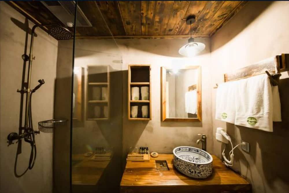 Habitación de diseño con 2 camas individuales - Baño