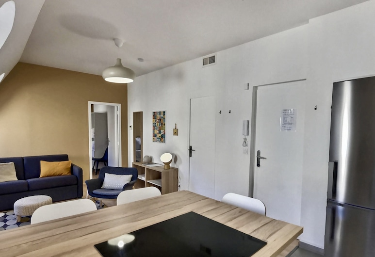 Les Appartements d'Edmond St Suffren, Marseille, Superior Apartment, 1 Double Bed with Sofa bed, Non Smoking, Living Area