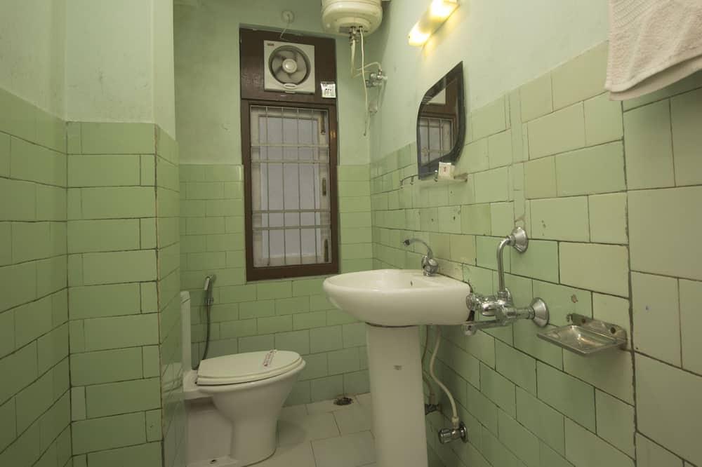 Pokoj Deluxe s dvojlůžkem nebo dvěma jednolůžky, dvojlůžko (200 cm) - Koupelna