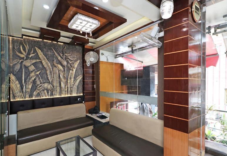 OYO 14808 Rajkamal Palace, Varanasi, Lobby Sitting Area