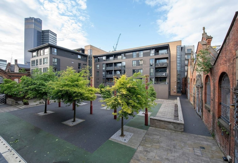 The City Mezzanine Apartment in Northen Quarter, Manchester, Property Grounds