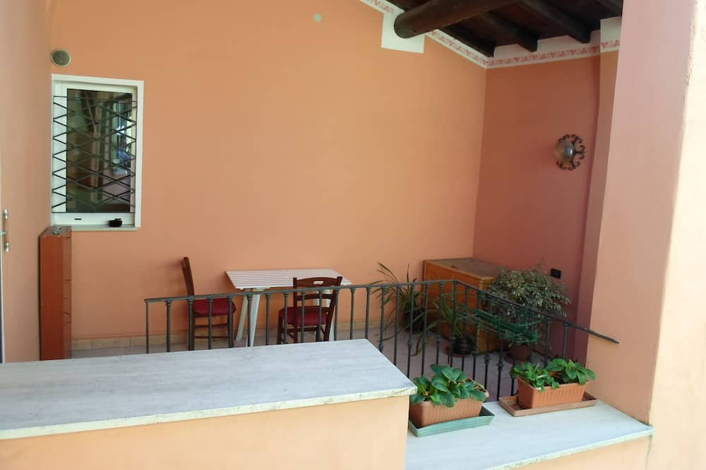Keturvietis kambarys, atskiras vonios kambarys (External) - Balkonas