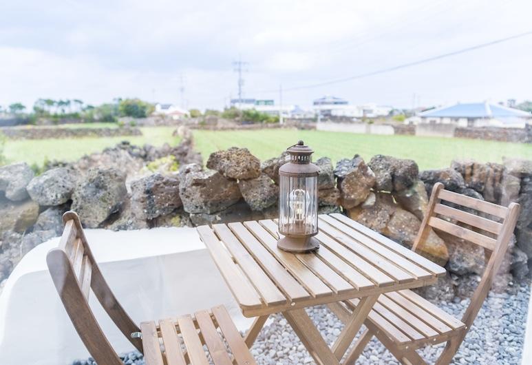 濟州韓東愚燃私人出租屋酒店, Jeju City, 家庭客房, 陽台