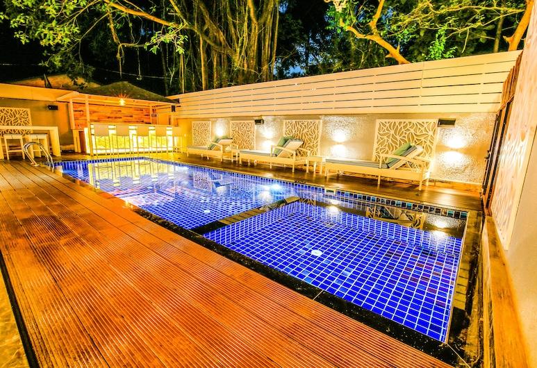 FabHotel Prime Casa Kiara, Calangute, Bazén