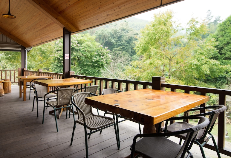 Valley Bed and Breakfast, Lugu, Balkons