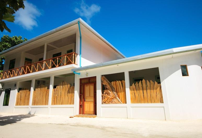 Shifa Lodge, Feridhoo, Hotel Entrance