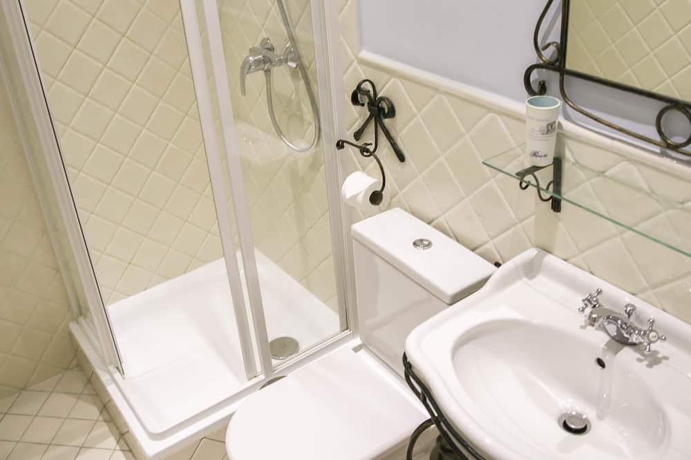Phòng đôi hoặc 2 giường đơn Tiêu chuẩn, Quang cảnh thành phố - Phòng tắm