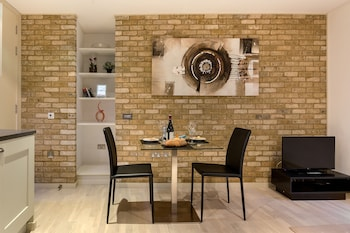Picture of Farringdon Serviced Apartments  in London