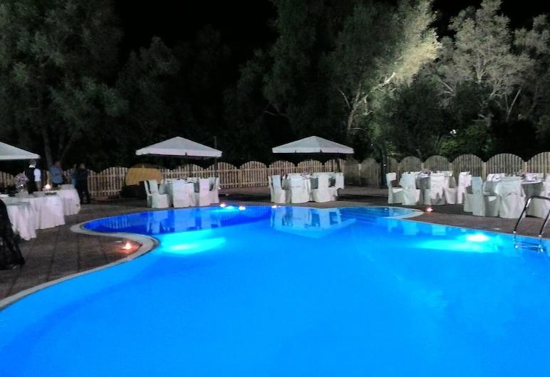 La Torre, Taurianova, Udendørs pool