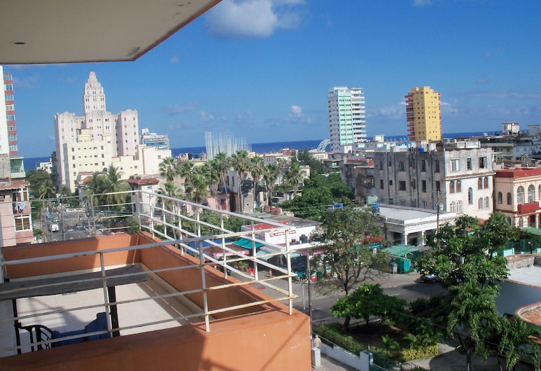 Doña Clara rent, הוואנה, מרפסת