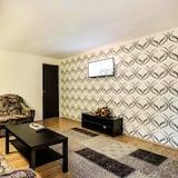 Apartment, Non Smoking, Garden View - Living Room