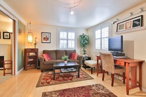 ビクトリア朝の家でSFOに美しい1ベッドルームアパートメント分(4眠ることができます)/
