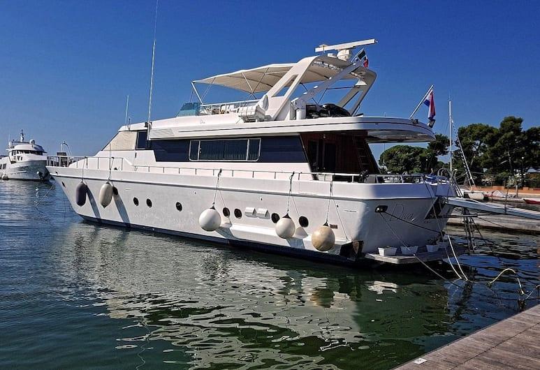 Yacht Diva, Venice