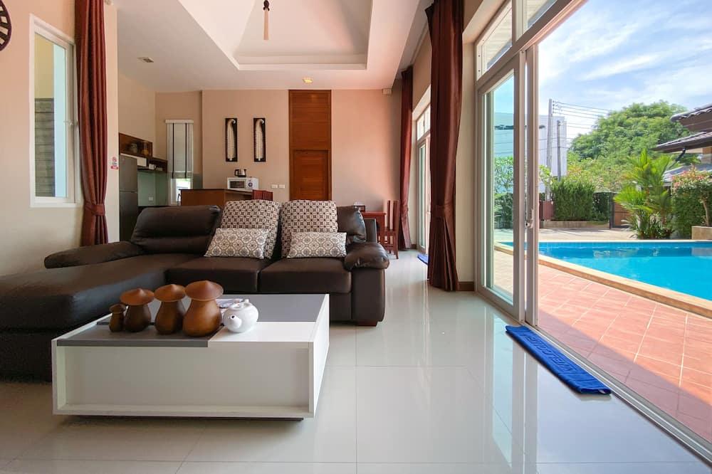 3 Bedroom Pool Villa with Garden - Oppholdsområde