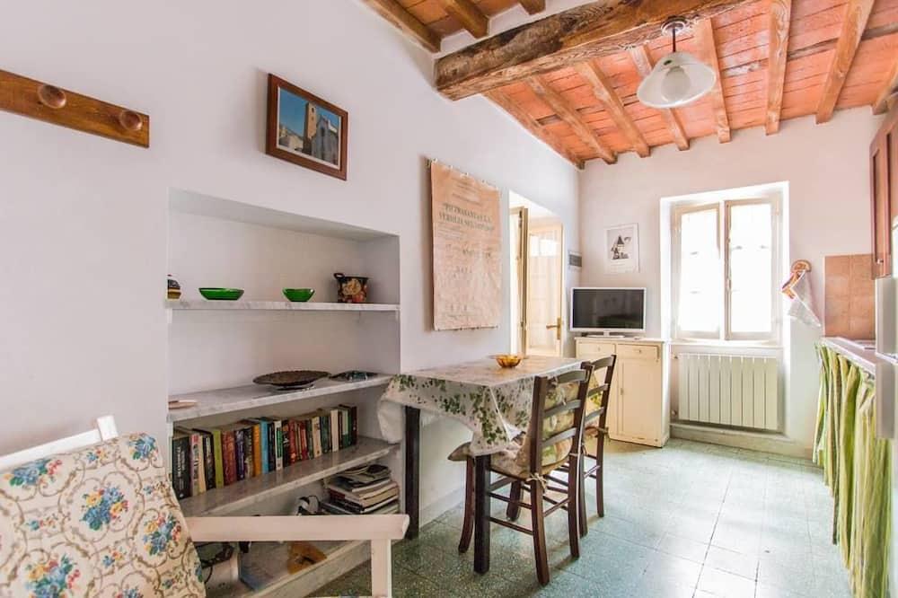 Apart Daire, 2 Yatak Odası (Michelangelo) - Odada Yemek Servisi