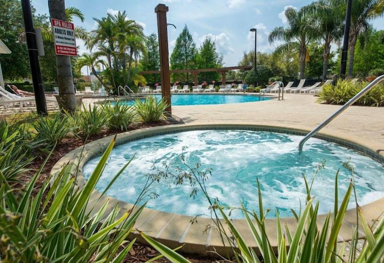 #11 Three Bedroom Townhouse, Кіссіммі, Сімейний будиночок, 3 спальні, доступ до басейну (Access to Resort Amenities), Спа-ванна під відкритим небом