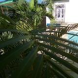 טאון-האוס קלאסי, מספר מיטות, שירותים צמודים, אזור הגן - מרפסת/פטיו