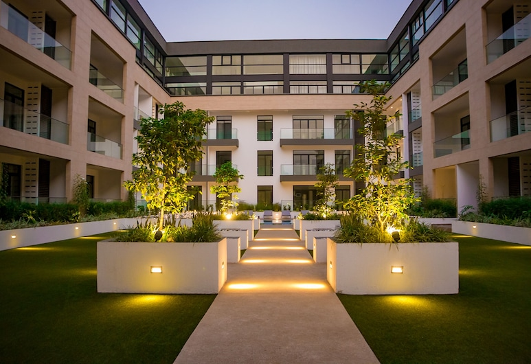 Embassy Gardens Premier Suites, אקרה