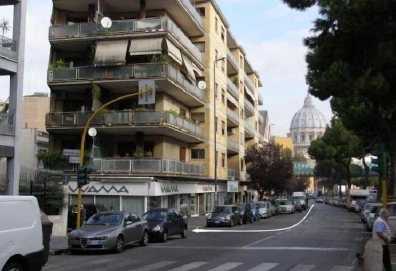 梵蒂岡旁酒店, 羅馬