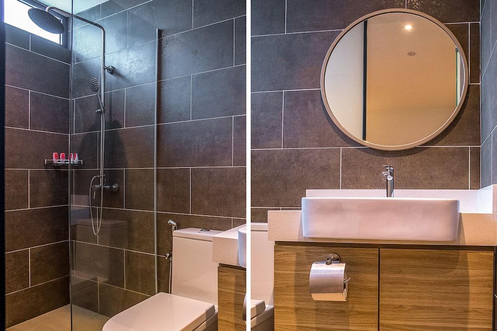 Standard-dobbeltværelse - 1 queensize-seng - Badeværelse