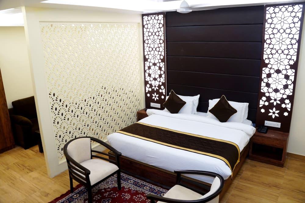 Numeris šeimai, 1 labai didelė dvigulė lova - Svetainė