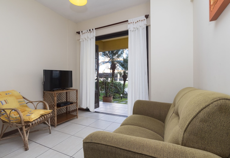 Apartamento 2 quartos - 302 - 2, Bombinhas, Apartment, Multiple Beds, Non Smoking, Living Room
