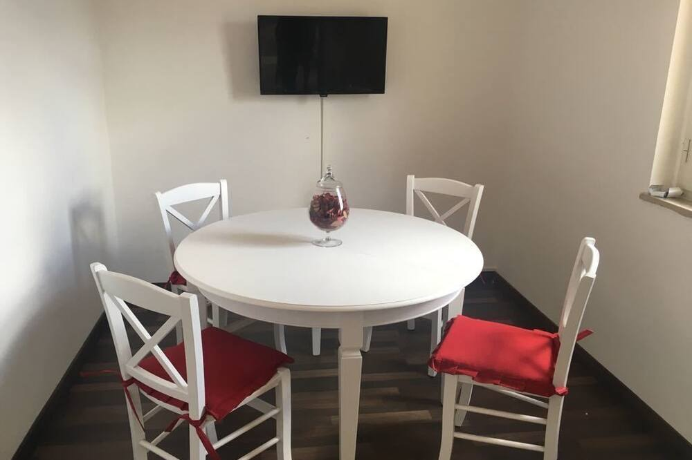Standard Penthouse, 2 Bedrooms, Terrace - In-Room Dining
