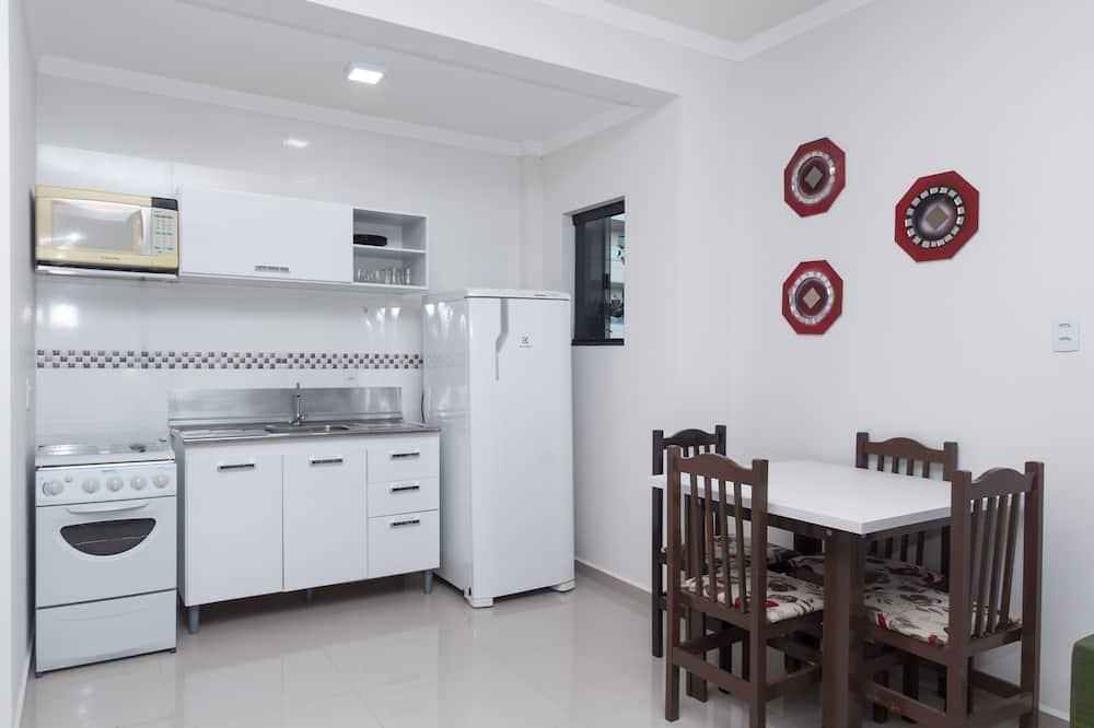 Appartement, 1 lit double et 1 canapé-lit, non-fumeurs - Restauration dans la chambre