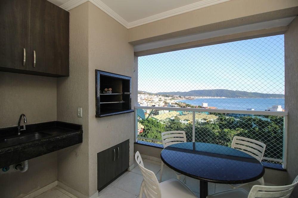 Апартаменты, Несколько кроватей, для некурящих - Вид из номера