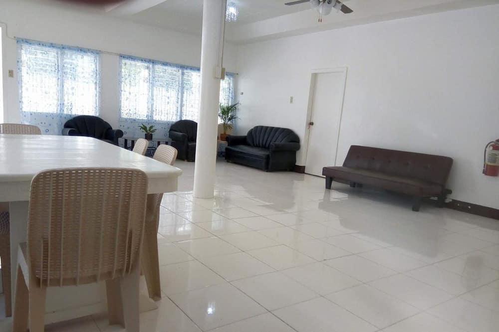 Room 4 - Living Area
