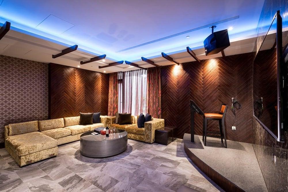 럭셔리룸 - 거실 공간