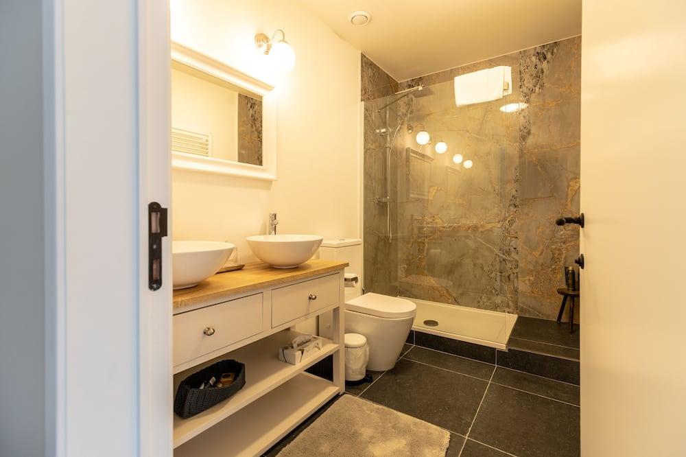 Double Room (Bird Room) - Bathroom