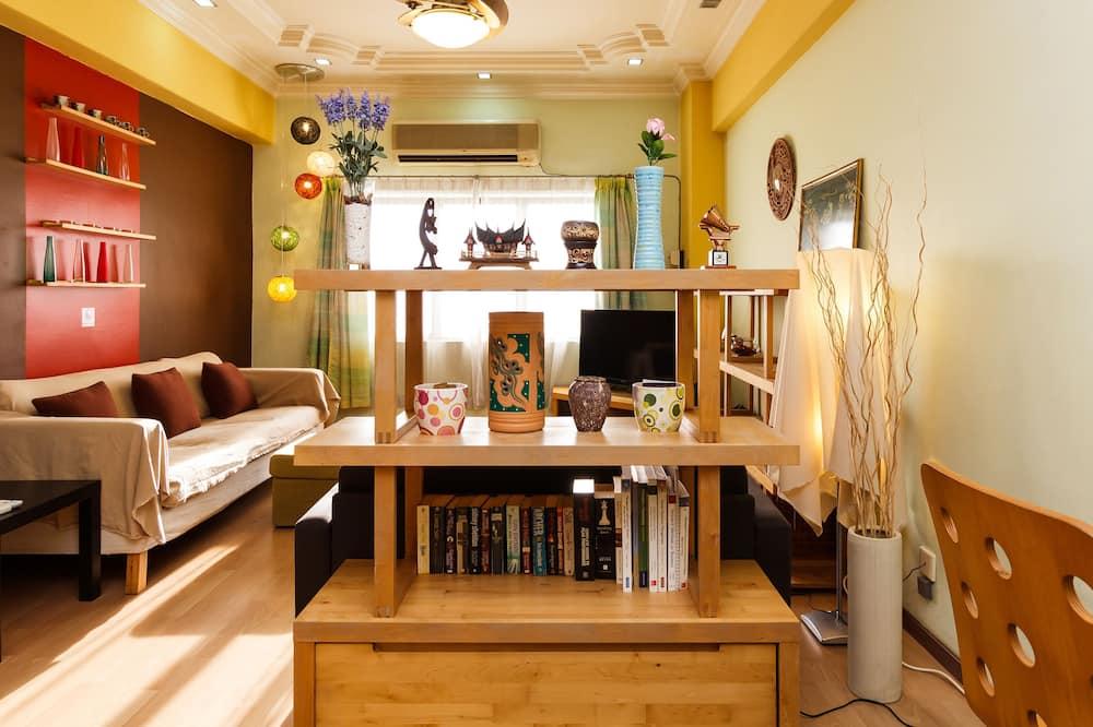 Apartament typu Classic, 2 łóżka podwójne, dla niepalących, widok na miasto - Salon