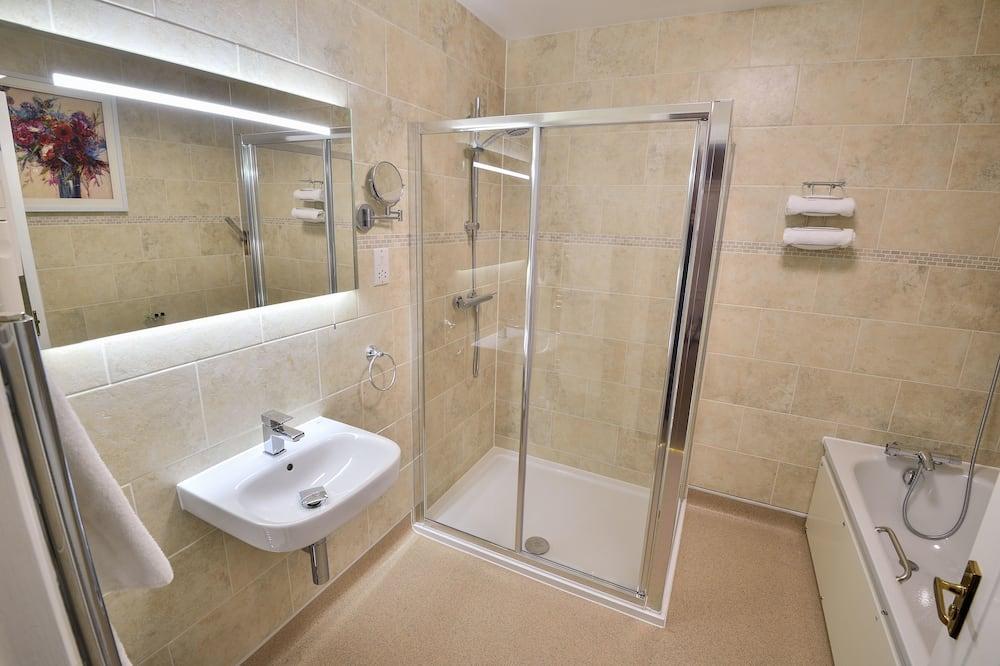 Phòng 3 Tiêu chuẩn, Nhiều giường, Không hút thuốc - Phòng tắm
