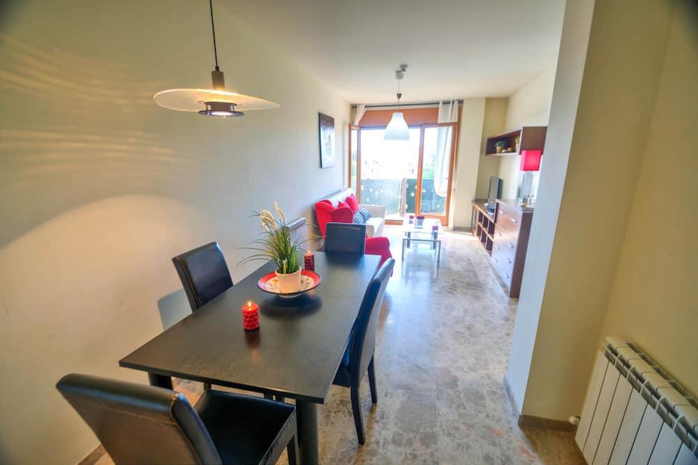 Apartment, 3 Bedrooms, Ocean View - In-Room Dining