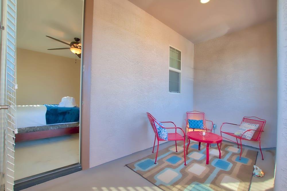 舒適獨棟房屋, 多張床, 非吸煙房, 泳池景觀 - 陽台