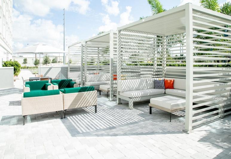 Holiday Inn & Suites Orlando - International Dr S, an IHG Hotel, Orlando, Piscina