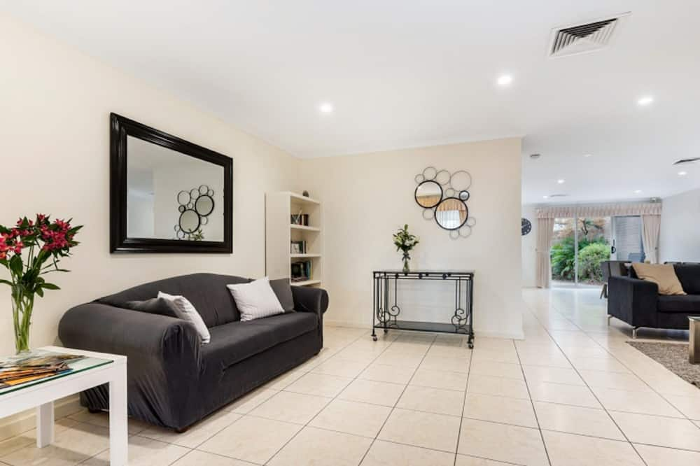 Townhome, 3 Bedrooms, 2 Bathrooms - Living Area